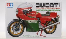 Ducati 900.(Mike Hailwood)