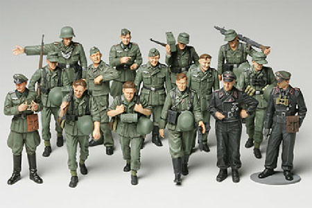 WW II German Soldiers Set