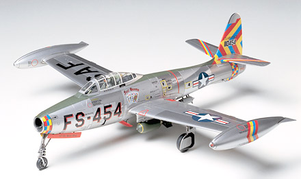F-84G Thunderjet (may have soiled decal)