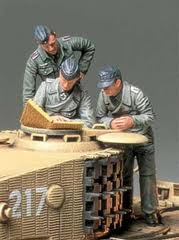 German Tank Commander and Crew (3 figure set)