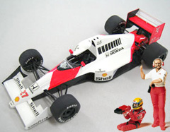 McLaren MP4/5B with driver