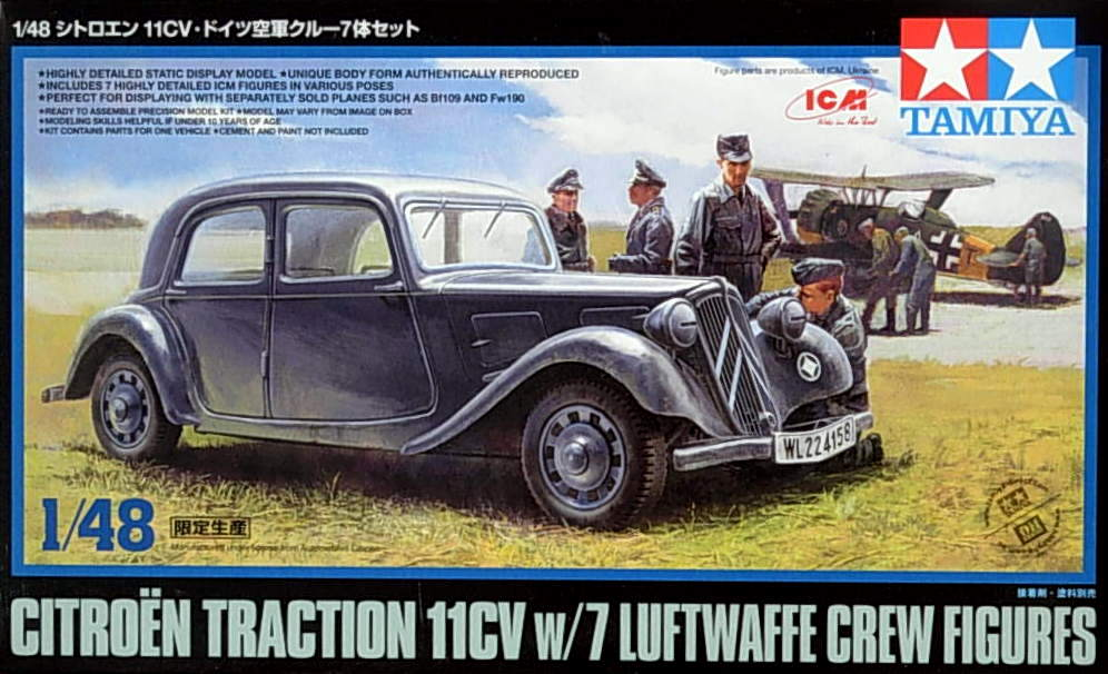 Citroen 11CV with Luftwaffe Crew